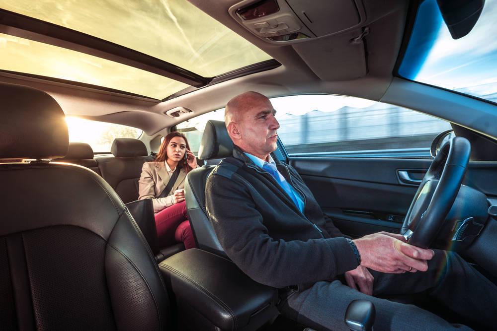 Los servicios más relacionados con la industria del automóvil